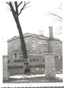 Picture of Mason City Junior College at the Memorial University Building