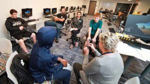 Photo of students during a tutoring session in the Student Learning Center in Beem Center