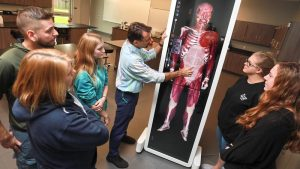 Photo students in the STEM Center anatomy lab