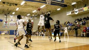 Photo of a NIACC Basketball game