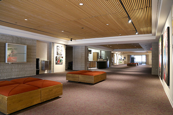 Photo of the meeting space in the Auditorium Gallery featuring lounge chairs
